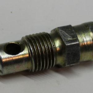 Штуцер сливной топливного бака МТЗ-80-3022