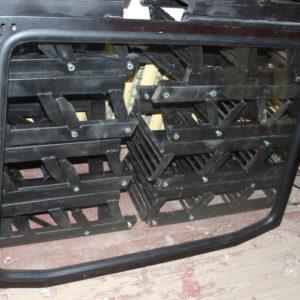 Рамка кабины унифицир. задняя со стеклом (пр-во МТЗ)